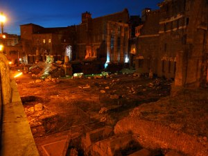 Night view of Trajan's Forum (click to enlarge)